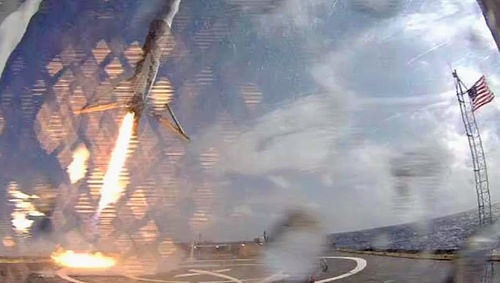 SpaceX_Using_drone_Tech_to_land_a_spaceship.jpg