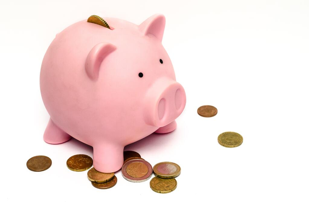 B2B-marketing-budgets-piggy-bank